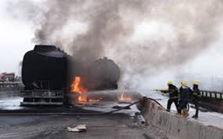 8 persons burnt to death in Lagos-Ibadan expressway accident