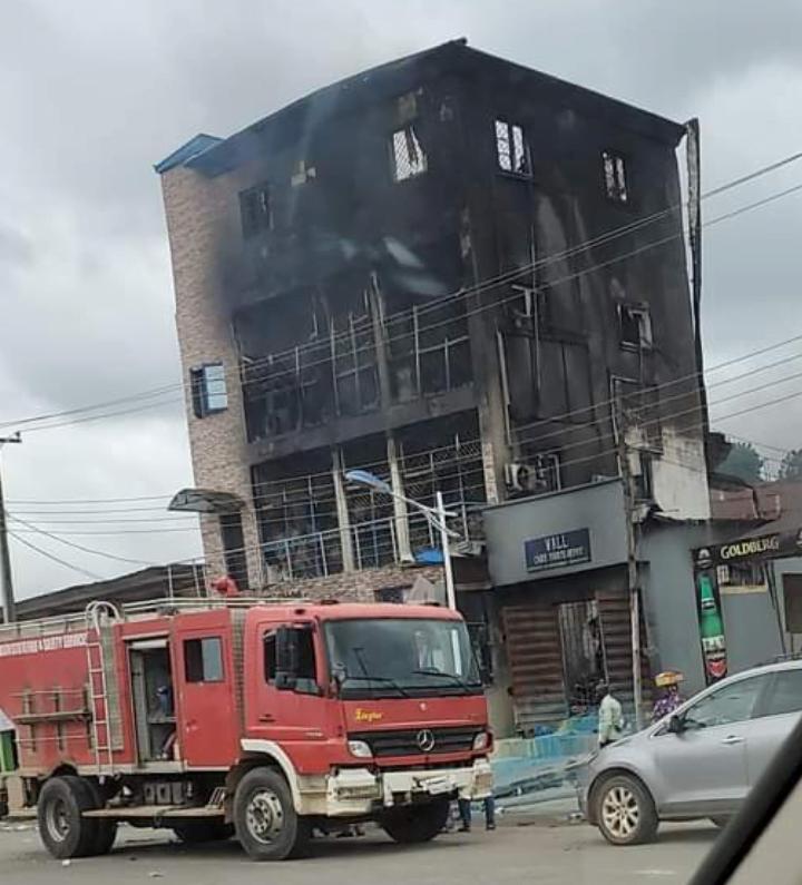 PHOTOS: Abeokuta shopping mall guts fire