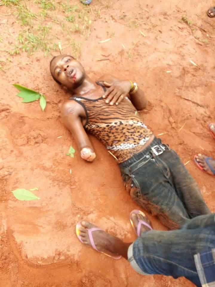 Photo: Notorious one-hand armed robber apprehended in Anambra