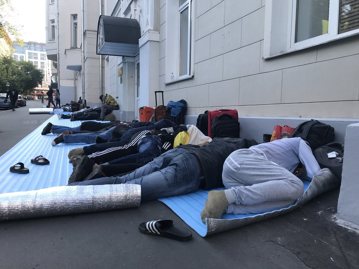 Many Nigerians who went to watch World Cup in Russia are stranded and cash-strapped(photos)