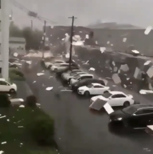 Shocking footage from Typoon Jebi shows heavy winds upturning cars (photos/video)